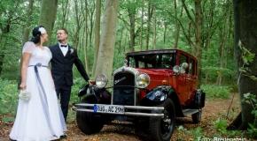 Alt-Bild: Hochzeit mit der Oldtimer-Limousine