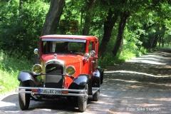 Alt-Bild: Oldtimer-Limousine Citröen AC4